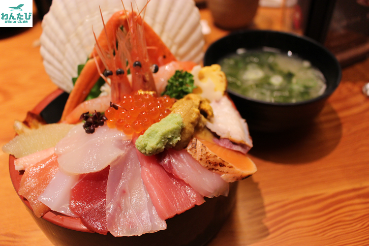 山さん寿司海鮮丼