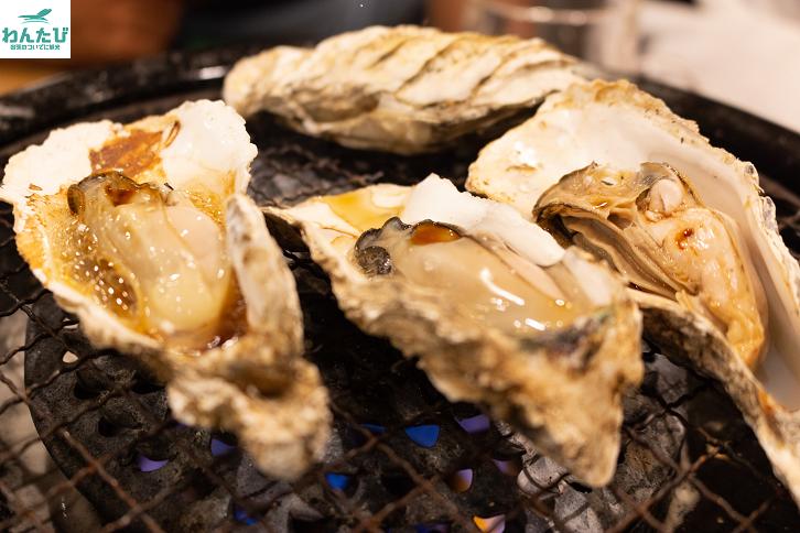 カキ小屋の焼き牡蠣