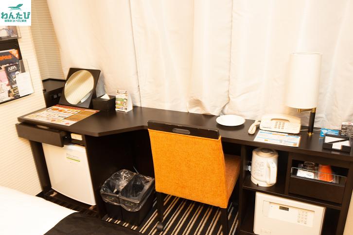 アパホテル&リゾート東京ベイ幕張セントラルタワーのデスク